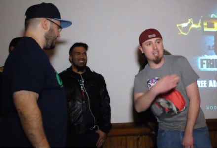 3PFD (left) vs Zach Is Nobody (Right) at Zach's debut on Slap Battles.